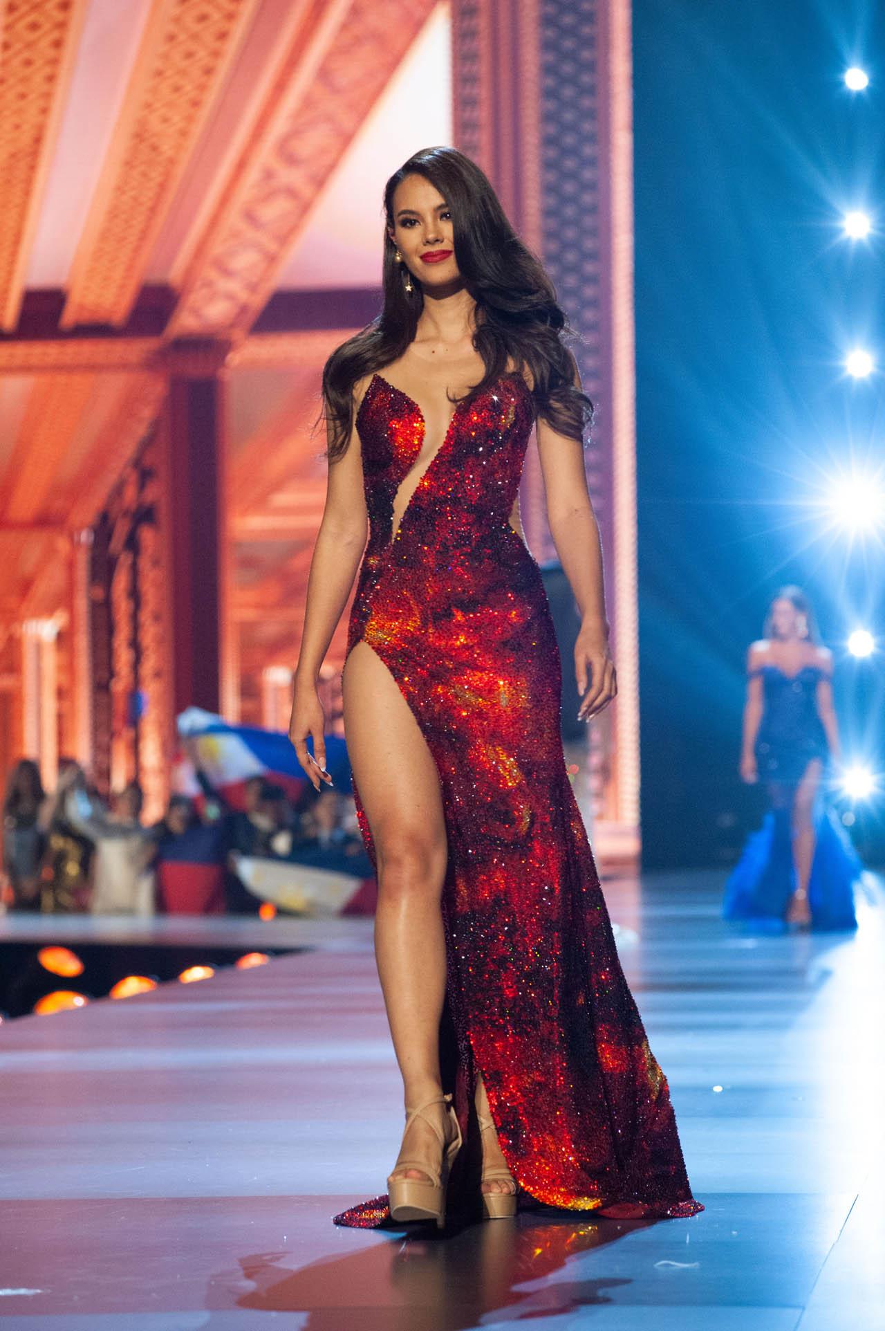 miss eco china 2019 copio look de miss universe 2018 durante final.  6uvbcyqp