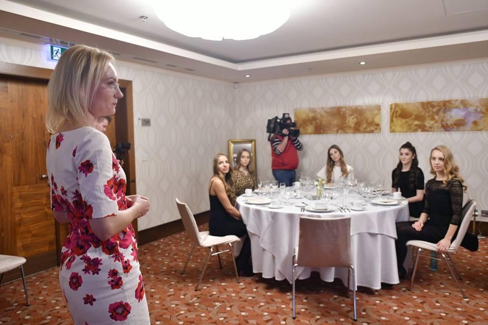 candidatas a miss slovensko 2019. final: 27 de abril. - Página 3 Piem9e7b