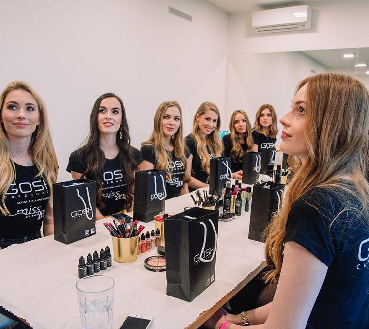 candidatas a miss slovensko 2019. final: 27 de abril. - Página 6 5iovkyu9