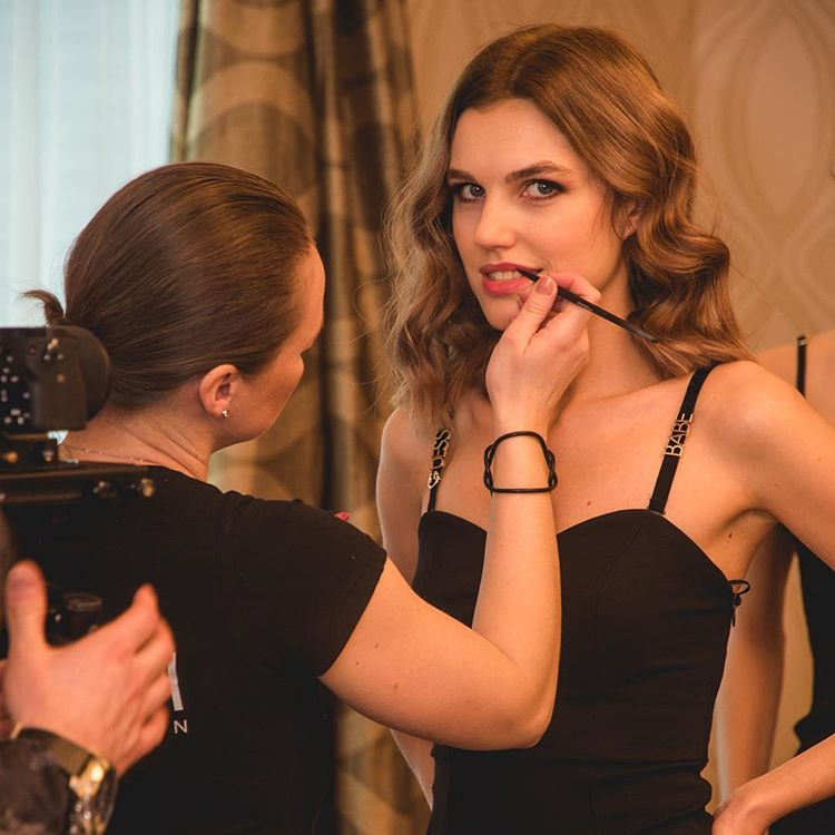 candidatas a miss slovensko 2019. final: 27 de abril. - Página 6 Klosiqbc
