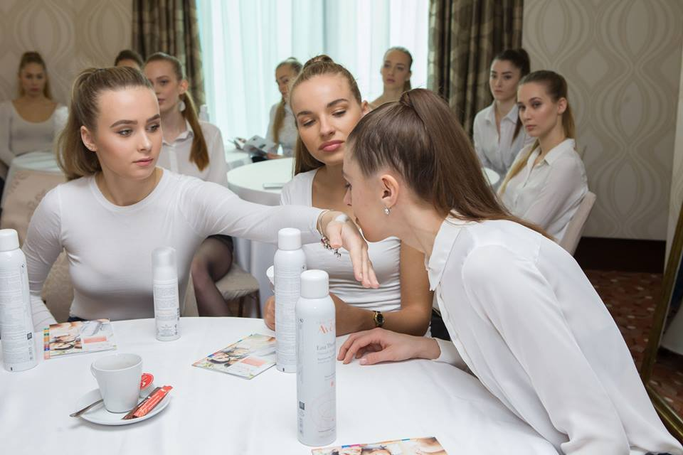 candidatas a miss slovensko 2019. final: 27 de abril. - Página 7 Prmzs4ol