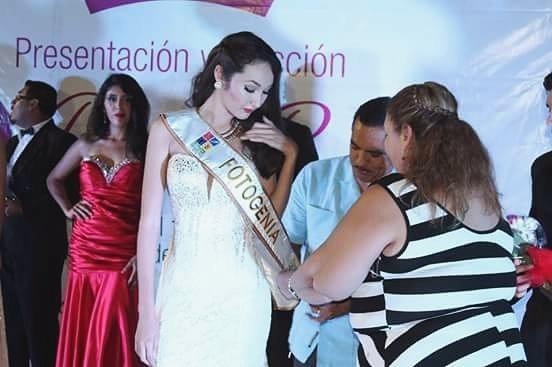 Muere concursante de belleza a los 19 años (su última voluntad ayudó a salvar 5 vidas) Pqpf9bpq
